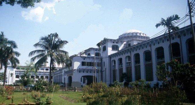 Dhaka Medical College Intro Image
