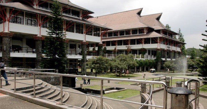 Institut Teknologi Bandung Intro Image